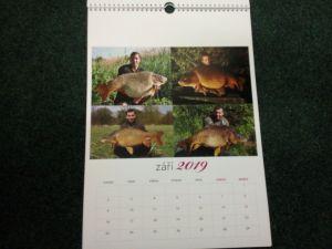 Kalendář 2019 Charlieho kamarádi s ůlovky